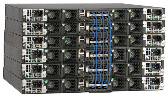 Figure 1: Up to 12 Ruckus ICX 7750 Switches can be stacked using up to 12 standard full-duplex 40 Gbps QSFP+ ports per switch, providing up to 5.76 Tbps of aggregated stacking bandwidth.